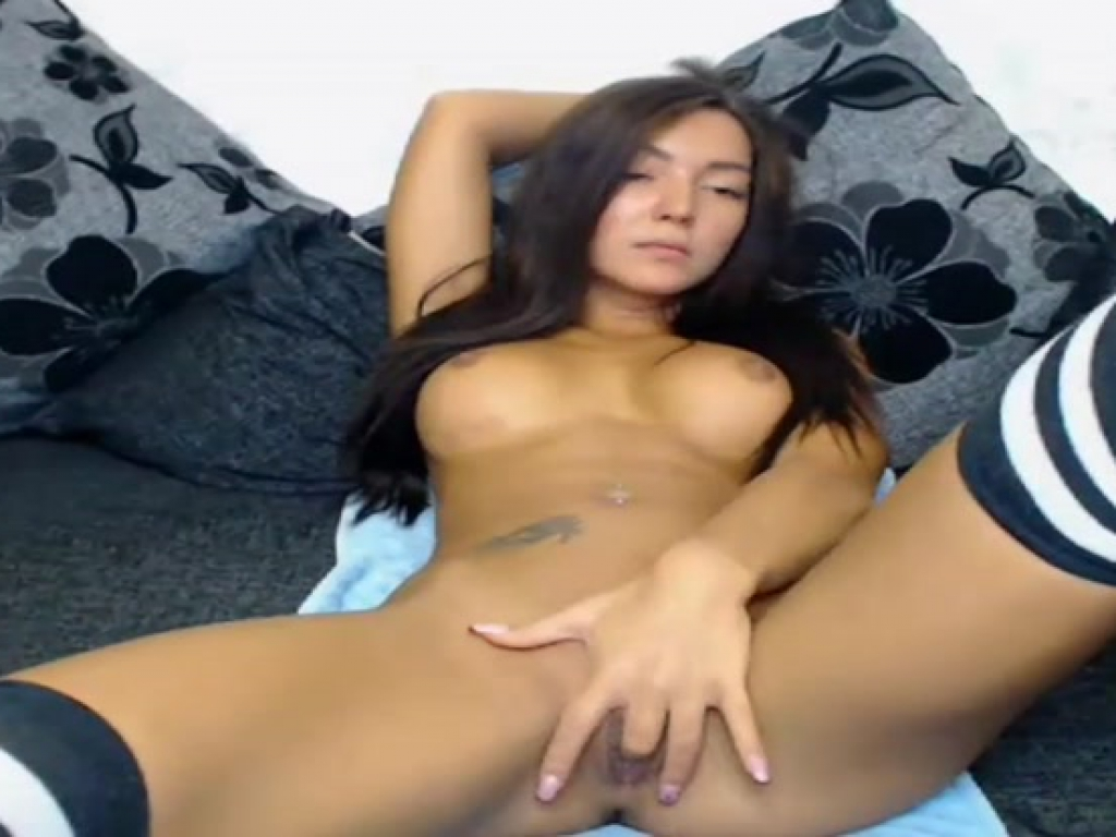 lovely fantasystudiox masturbating